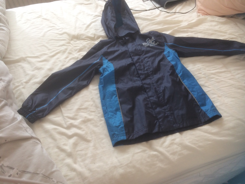 Showerproof lightweight jacket - age 9-10