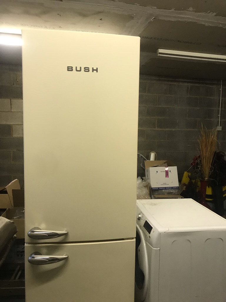 BUSH double door fridge freezer (cream)