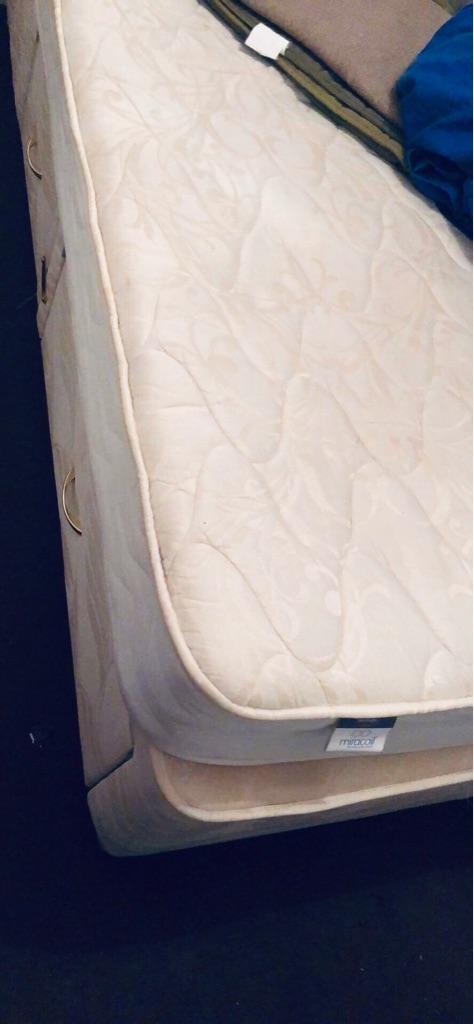 Kingsize divan bed with mattress