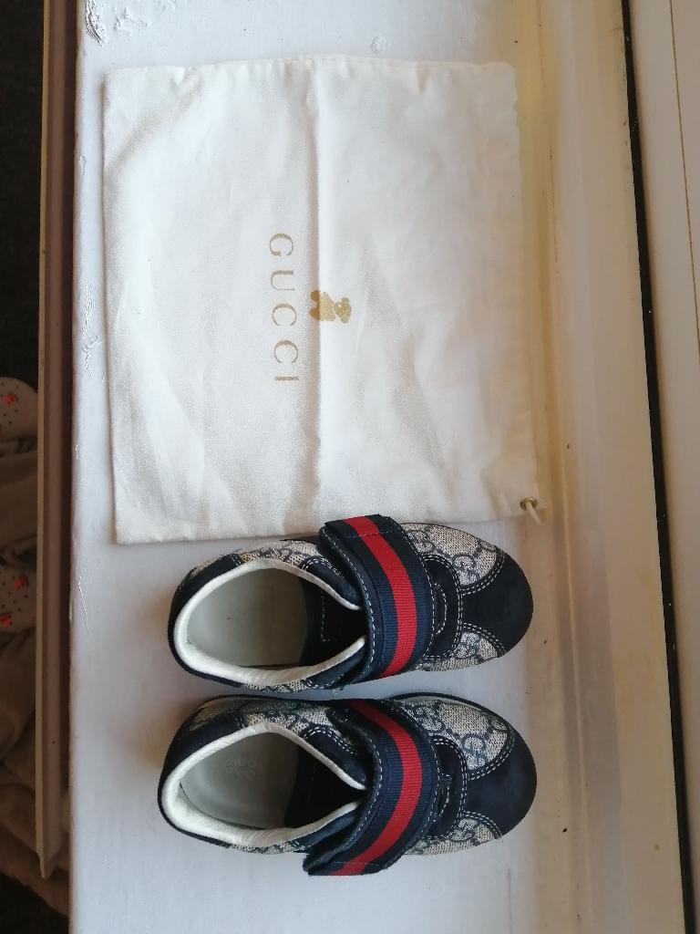 Gucci shoes size 22