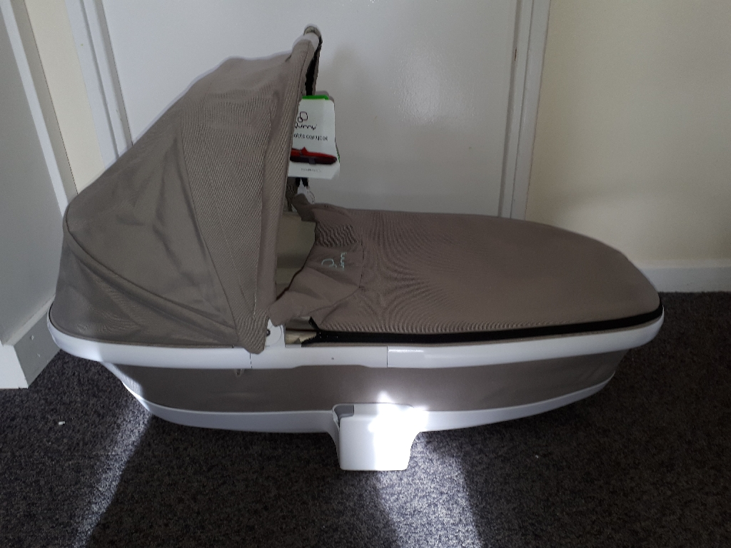 Quinny foldable carrycot natural delight new