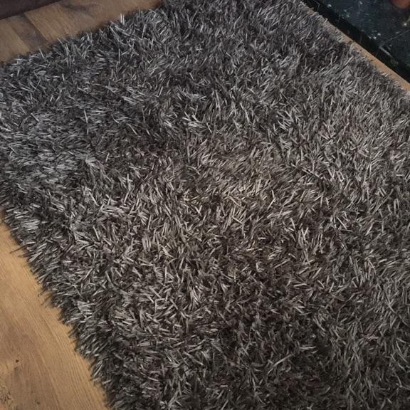 Metallic/gunmetal rug 120x180