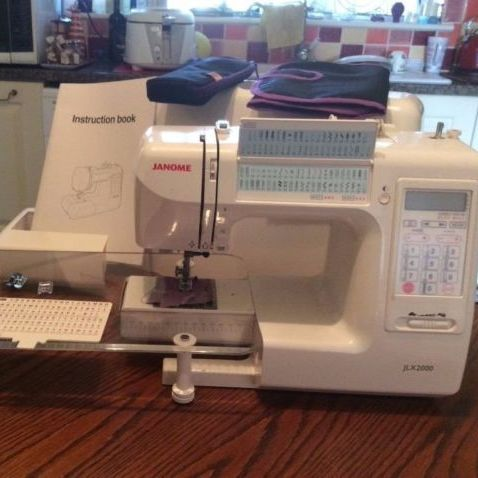 Janome JLX2000 sewing machine in very good condition. Approximately 2 years old.