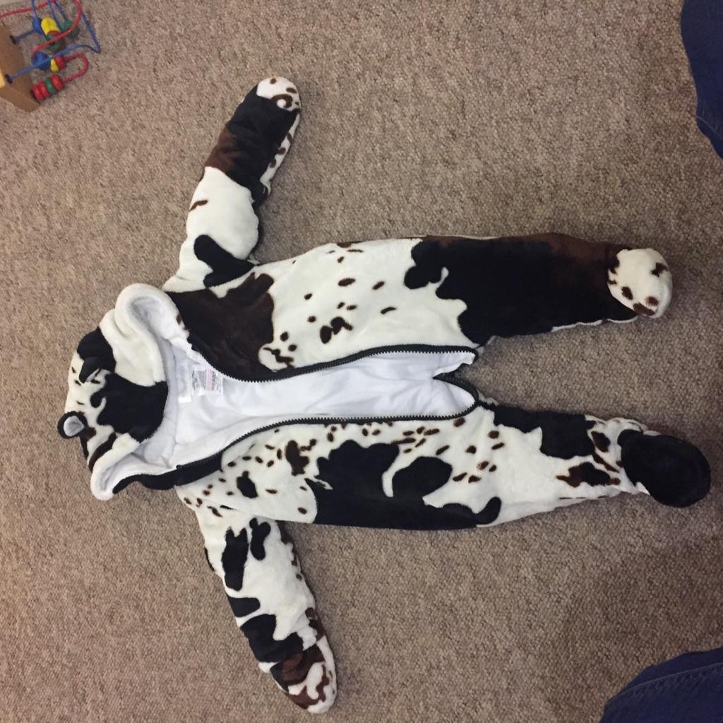 Unisex baby snow suit 3-6 months