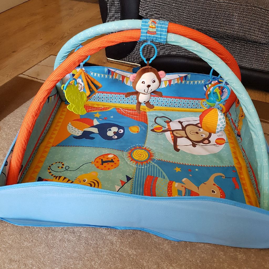 Bebe 4-in-1 animal play mat