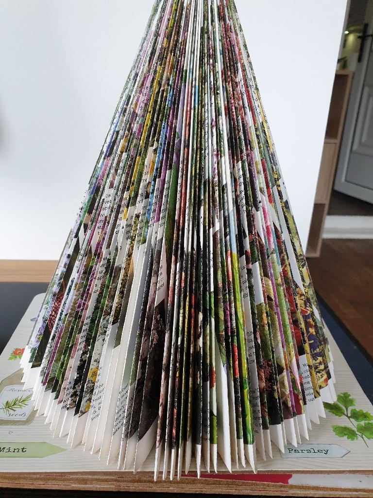 Book folded tree