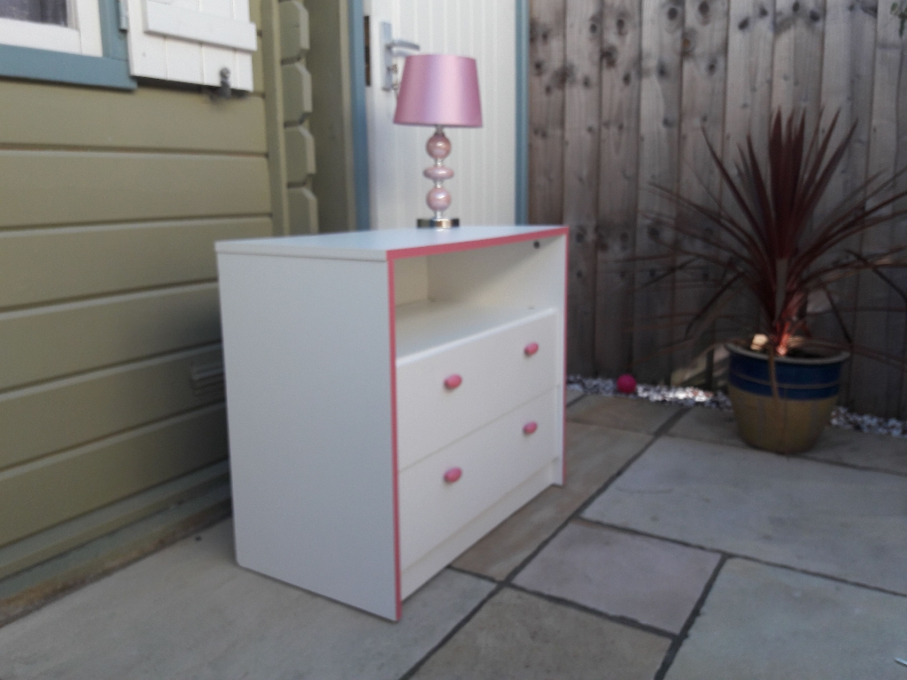 Children's chest of draws and lamp
