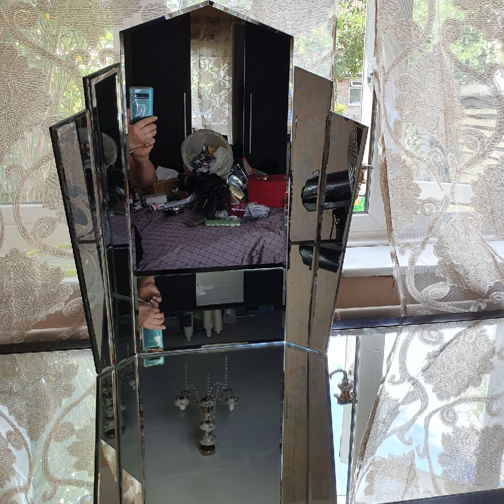 BLACK MIRRORED DRESSING TABLE AND MIRROR VGC