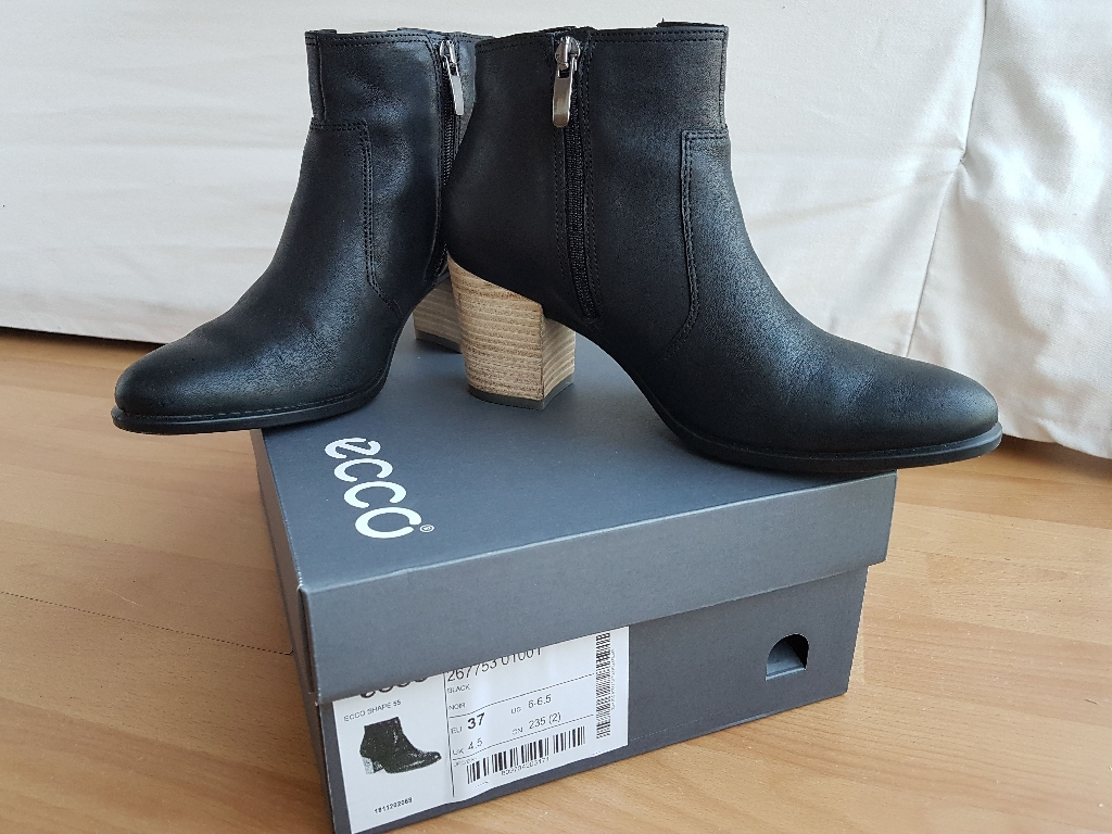 BRAND NEW Ladies Boots Black ECCO size 4