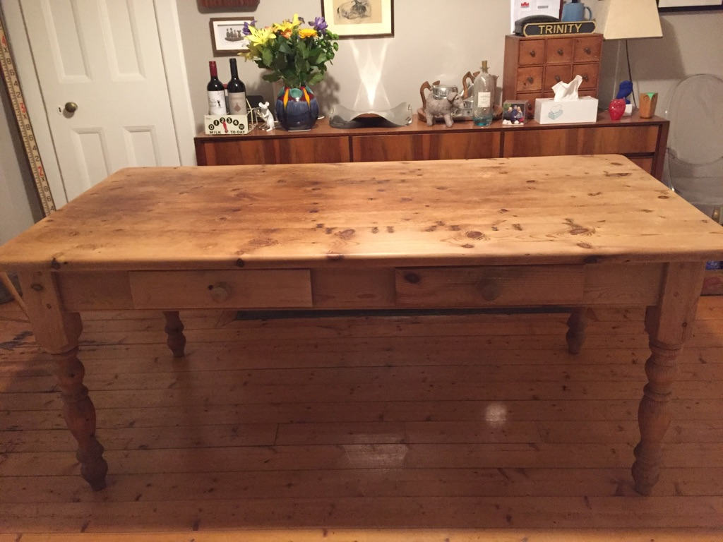 Lovely solid pine kitchen table
