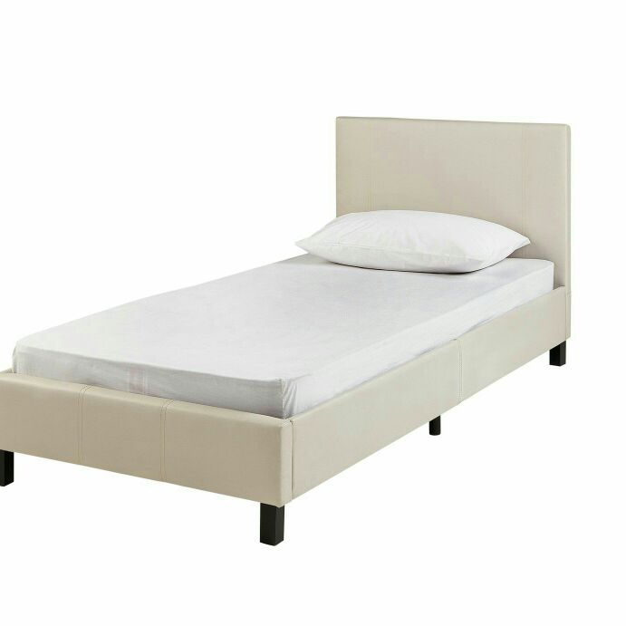 Single bed only 8 months old great condition