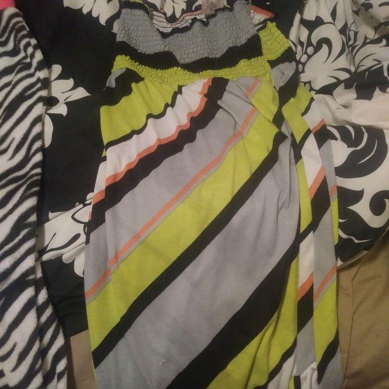 Strapelss dress size lg