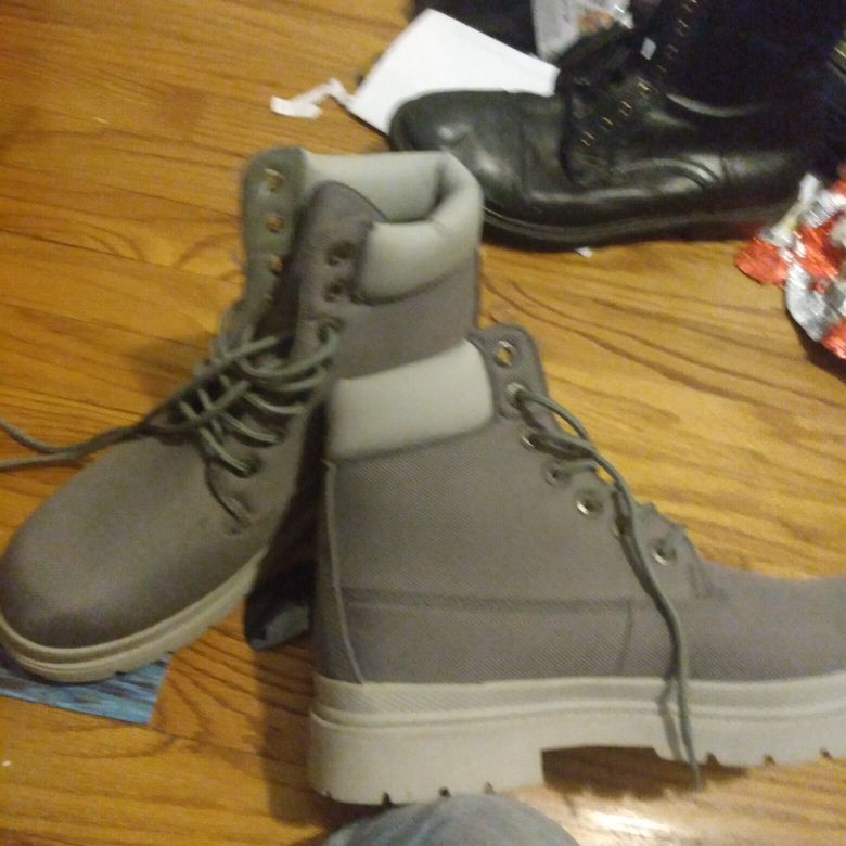 Pair of lugz boots