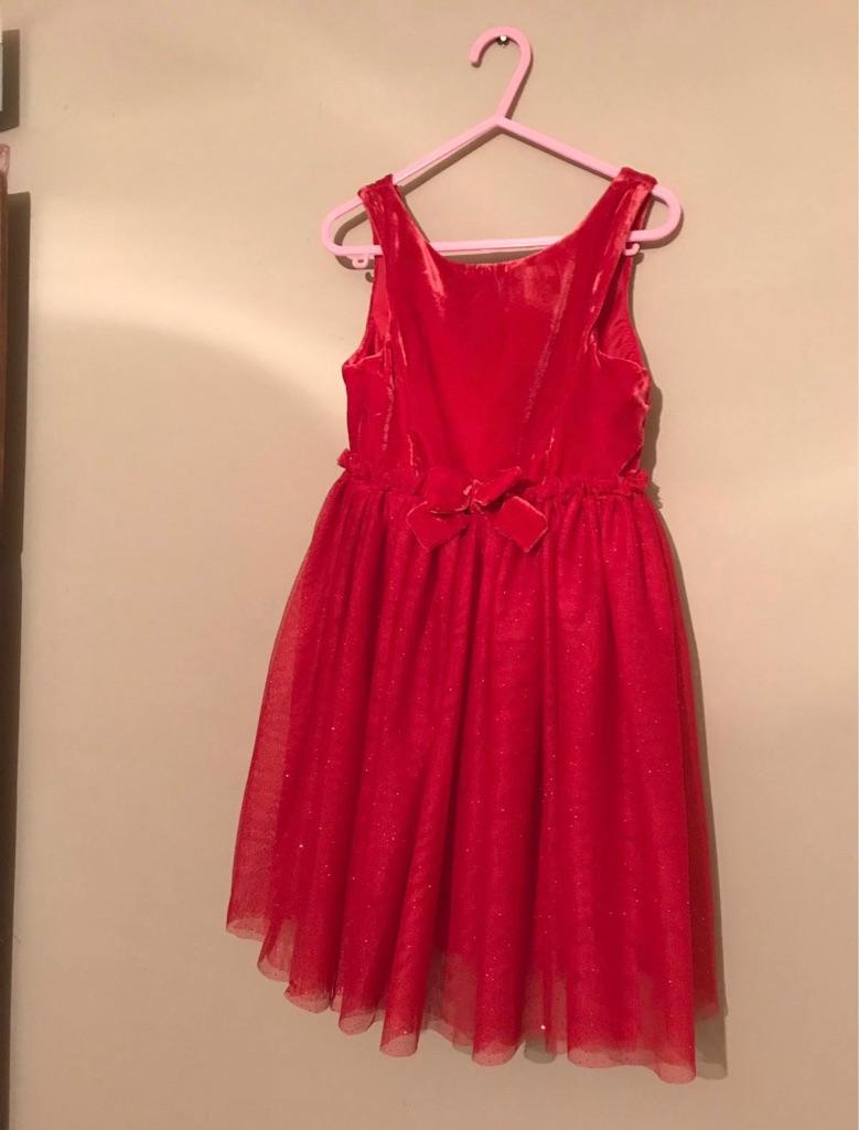 H&M girls dress. Aged 4-5.