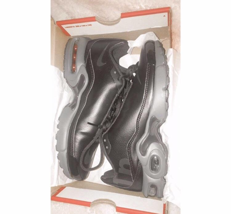 Nike all black mercurial trainers