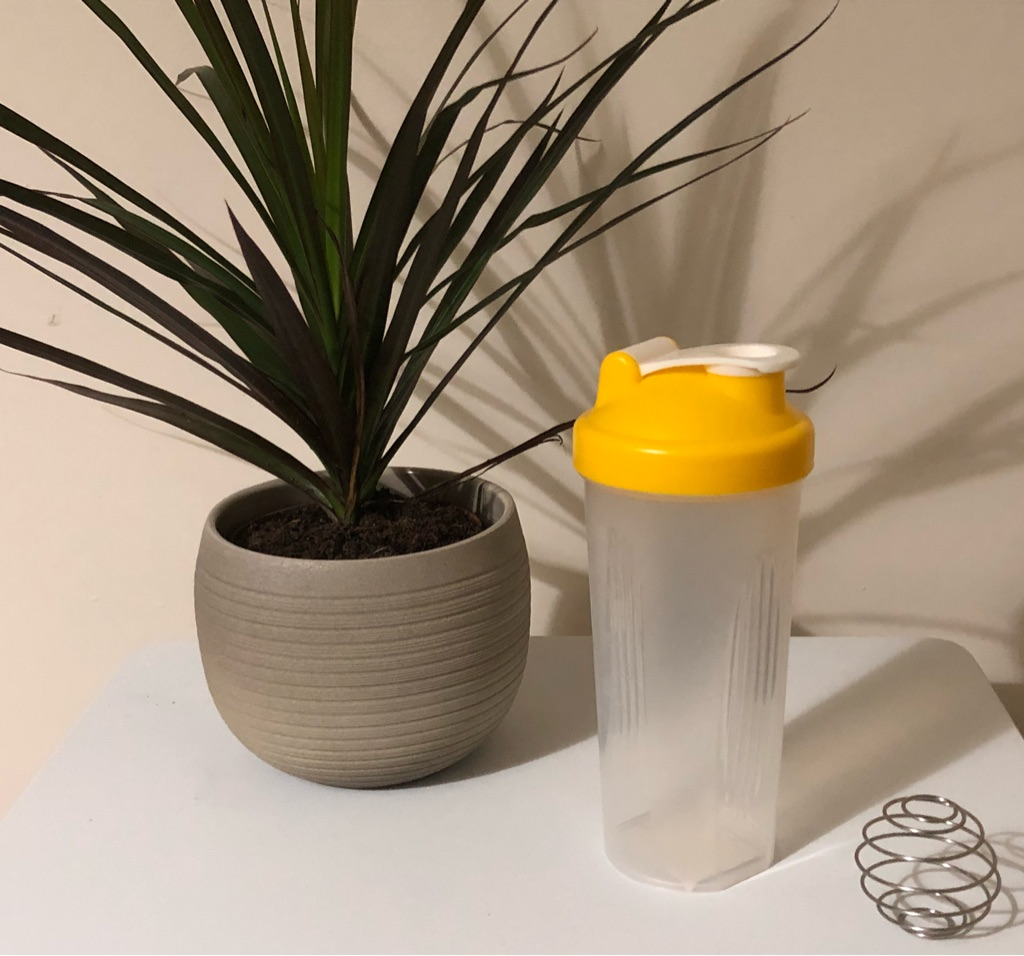 Protein shaker 600ml BPA free, with steel ball
