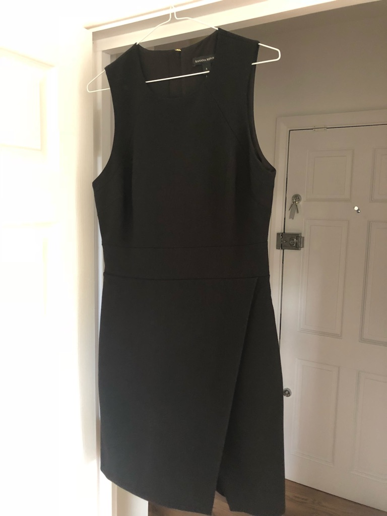 Banana Republic Black shift dress size 12