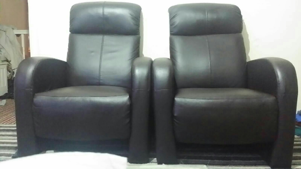 ELECTRIC RISE RECLINER LEATHER AIR RISER SOFA ARMCHAIR LOUNGE CHAIR. NO RIPS. VERY GOOD CONDITION. £80 each or £150 for 2.