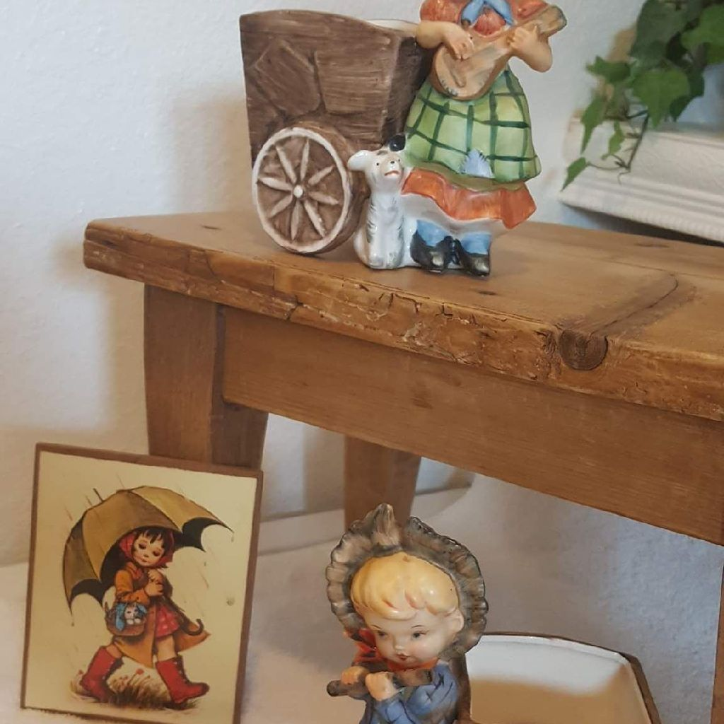 VERY OLD ANTIQUE CHILD COLLECTABLES