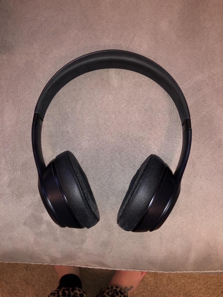 £150 ONO (open to offers) Dre beats solo3 wireless matte black headphones -  BRAND NEW £150 ONO