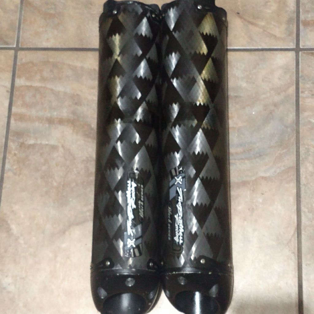 Two brothers carbon fiber exhaust tips
