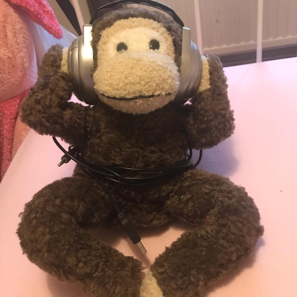 Dancing monkey speaker