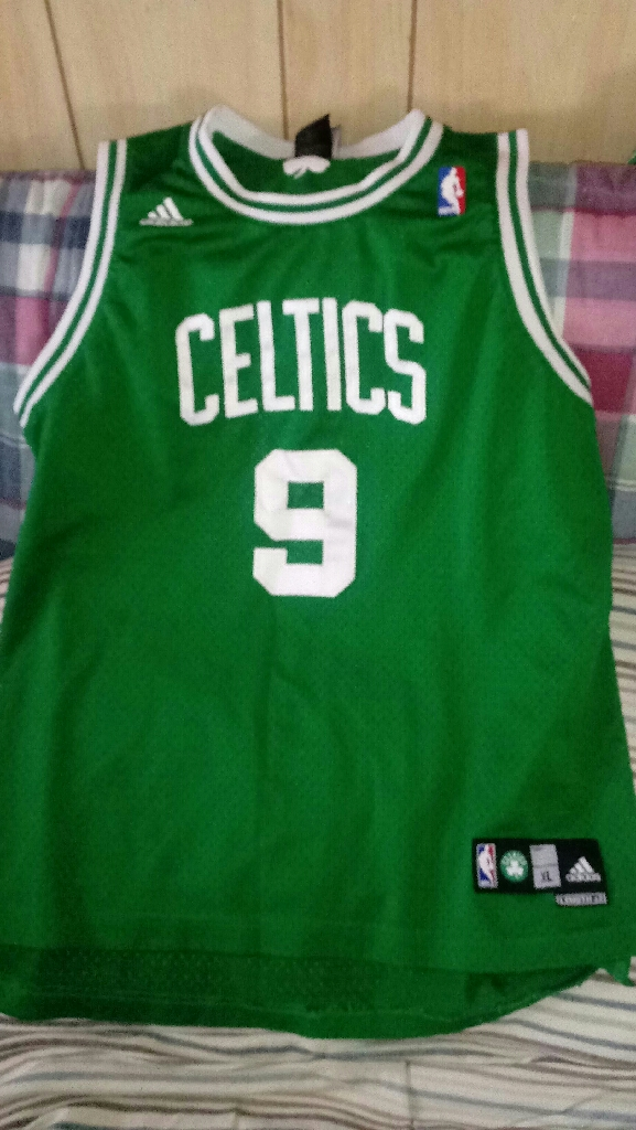""" CELTICS. BASKETBALL JERSEY """
