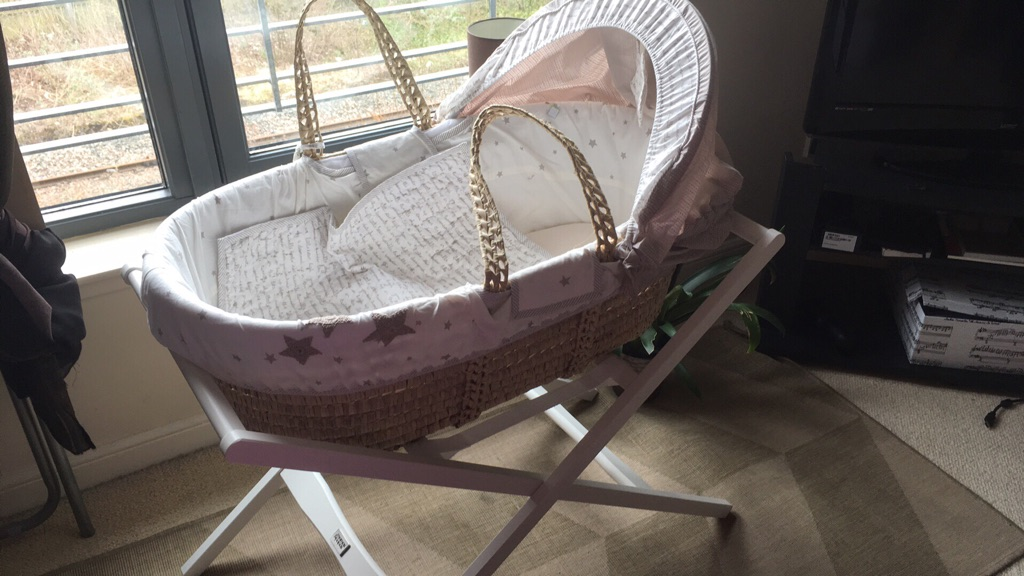 Moses basket and white stand from Mamas&papas