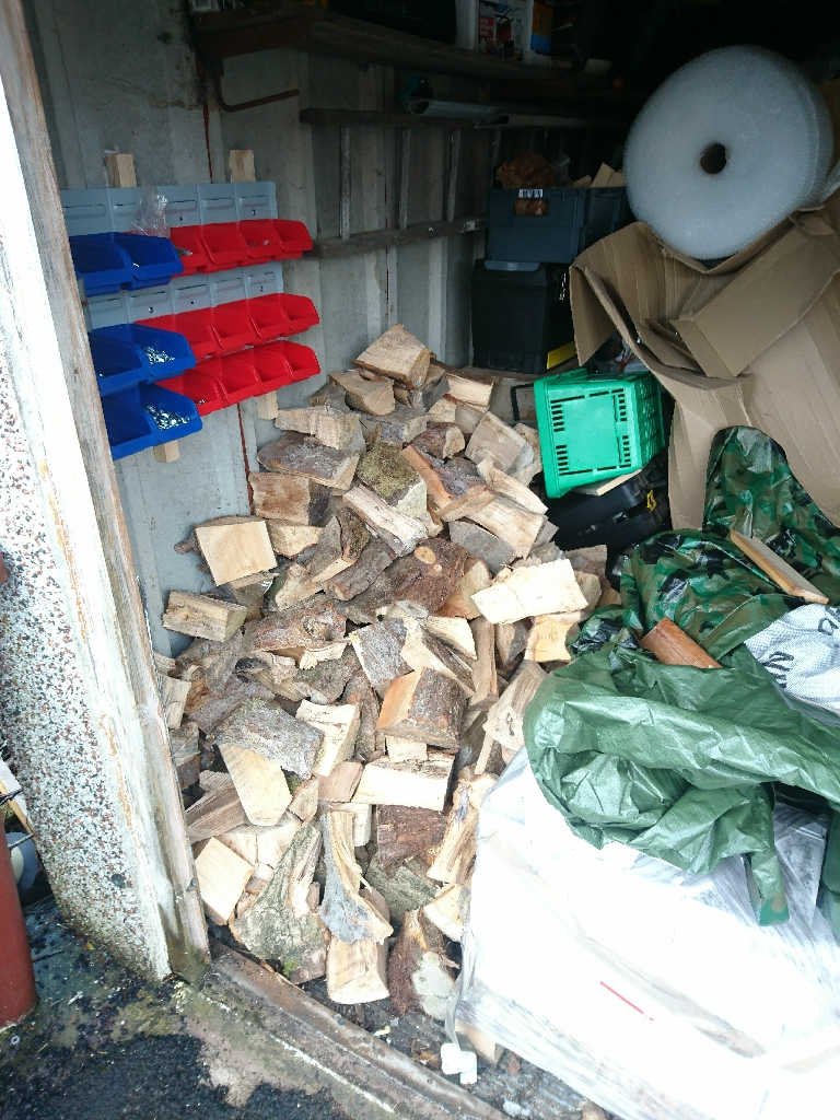 Mix of hard and soft firewood (seasoned)