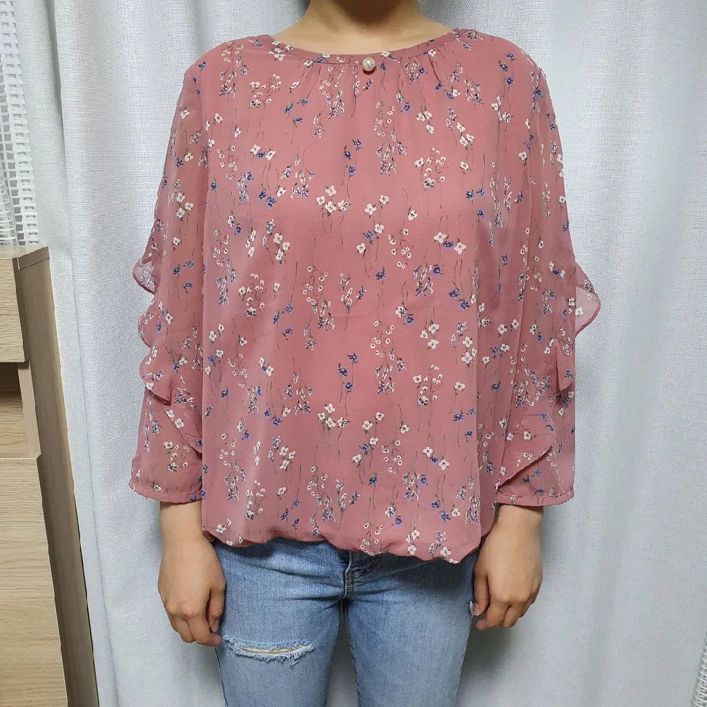 <New> Olivia Lauren pink flower chiffon Blouse with pearl