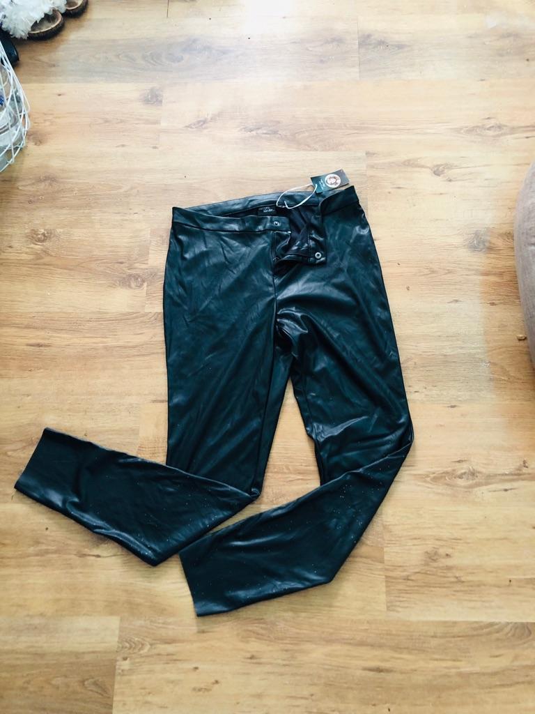 Women's Black leggings leather look size 18
