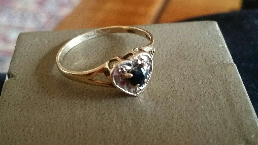9ct gold Sapphire & Diamond Heart ring