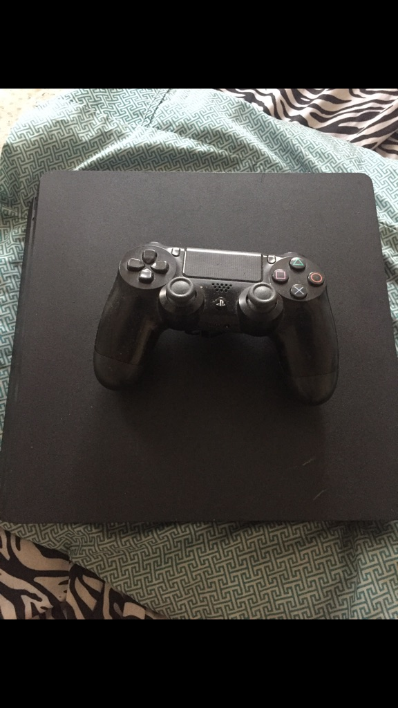 PS4/ PS3 JAILBREAK!! Good condition includes games and all