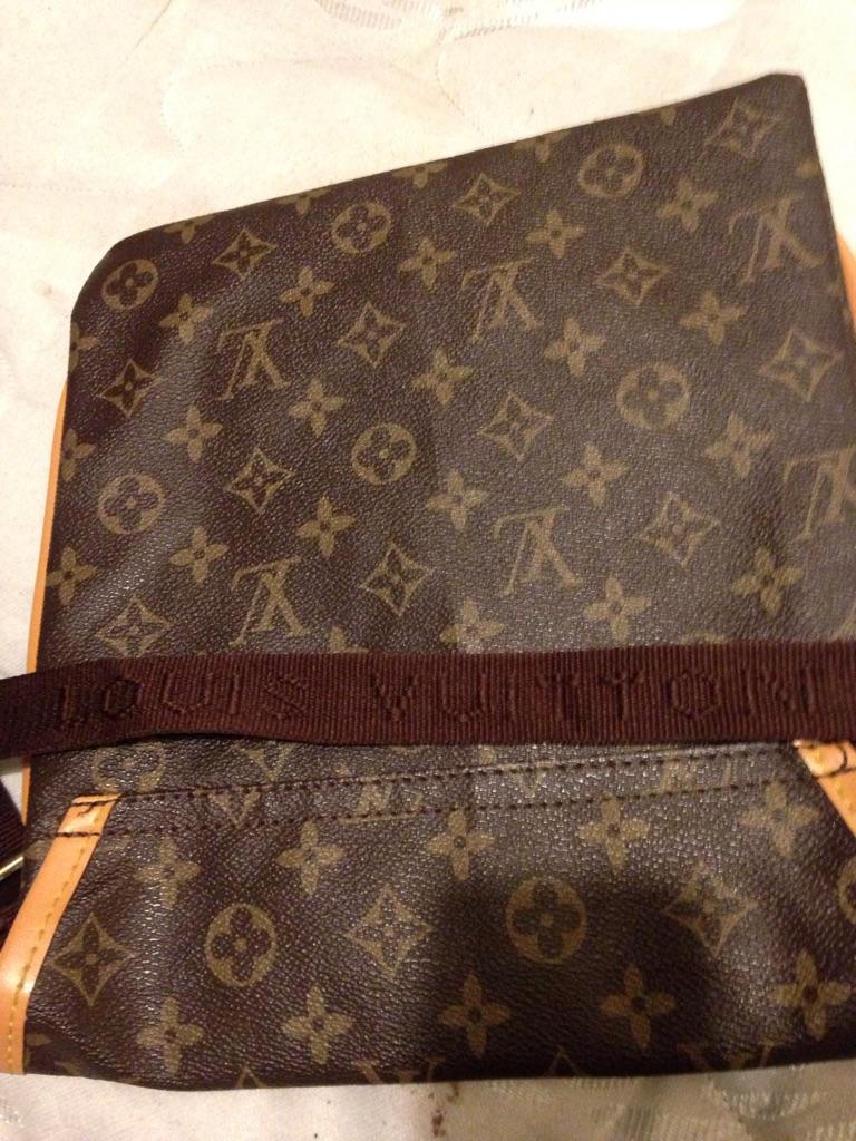 Louis vuttion men's shoulder bag
