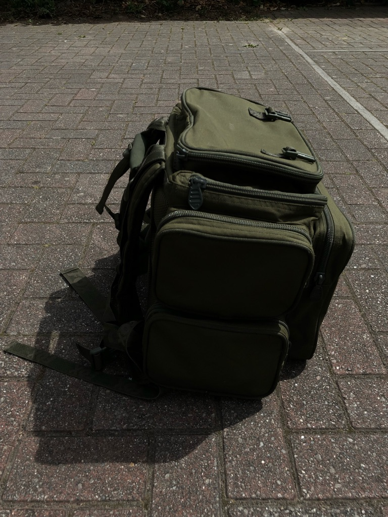 Fox compact Rucksack including tackle box 😯