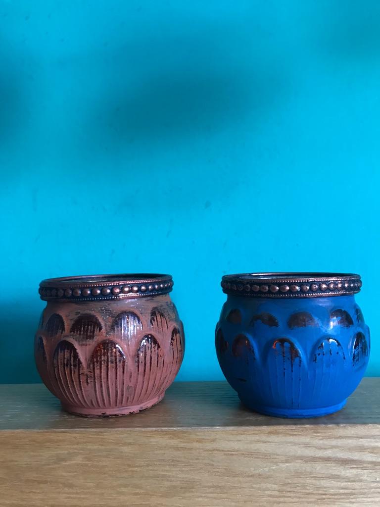 2 Small Pots