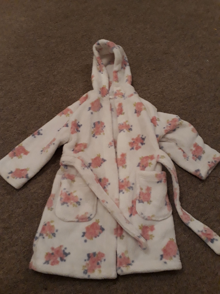 Girls clothes size 2 to 3 years