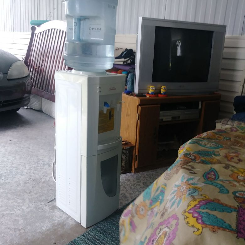 Sub beam water cooler 2 jugs included