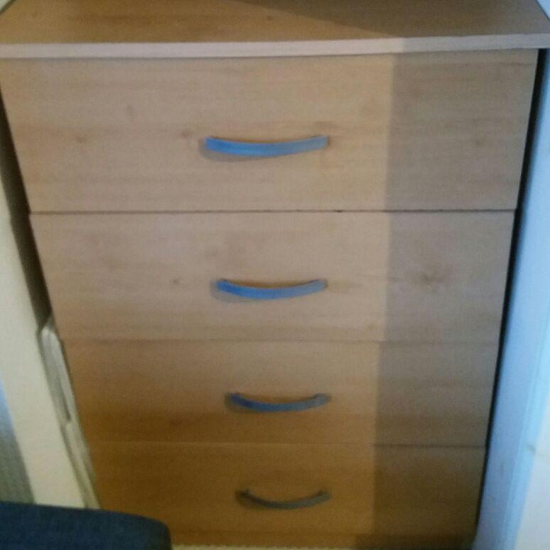 Light oak chest of draws