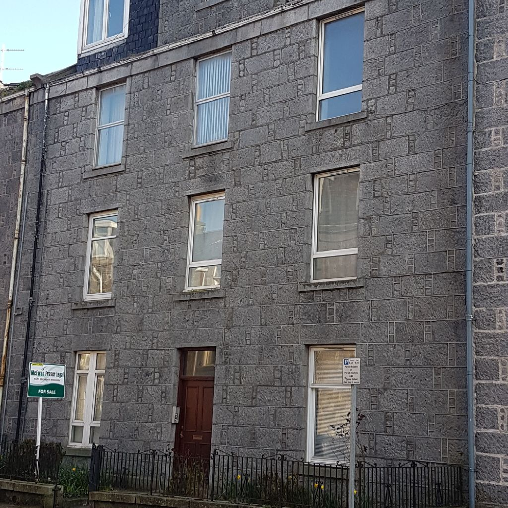 *REDUCED PRICE* 1 bedroom flat for sale