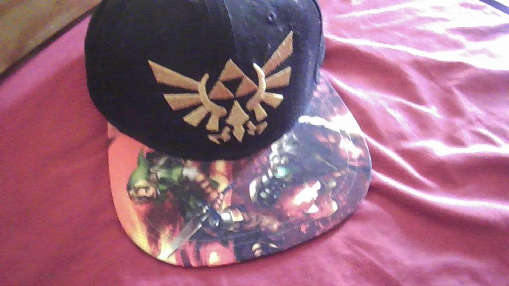 LoZ Triforce Hat