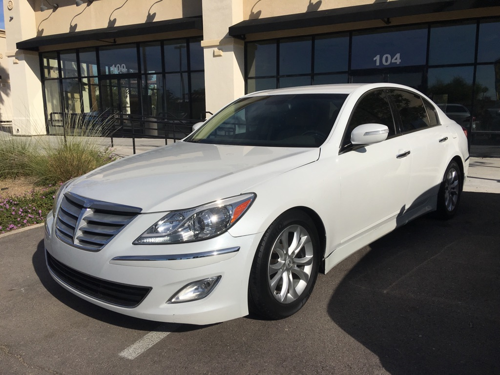 2013 Hyundai Genesis V8 Mint condition! Down payment as low as $1,000