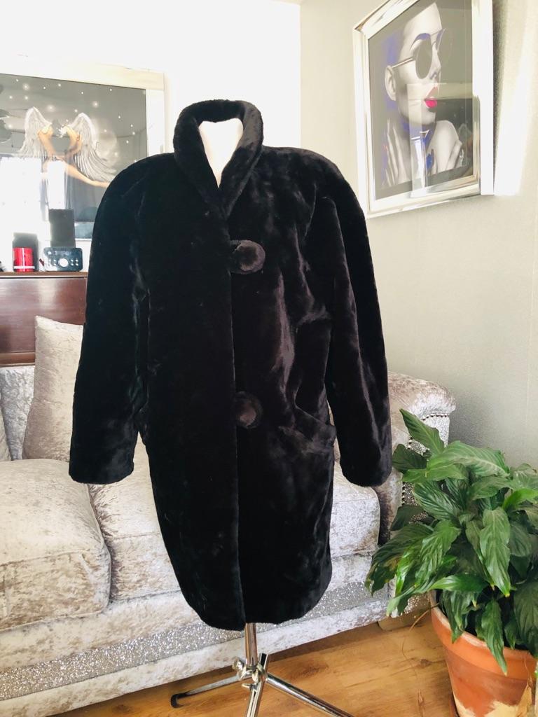 Women's Black vintage faux fur coat by pro mod size 14/16