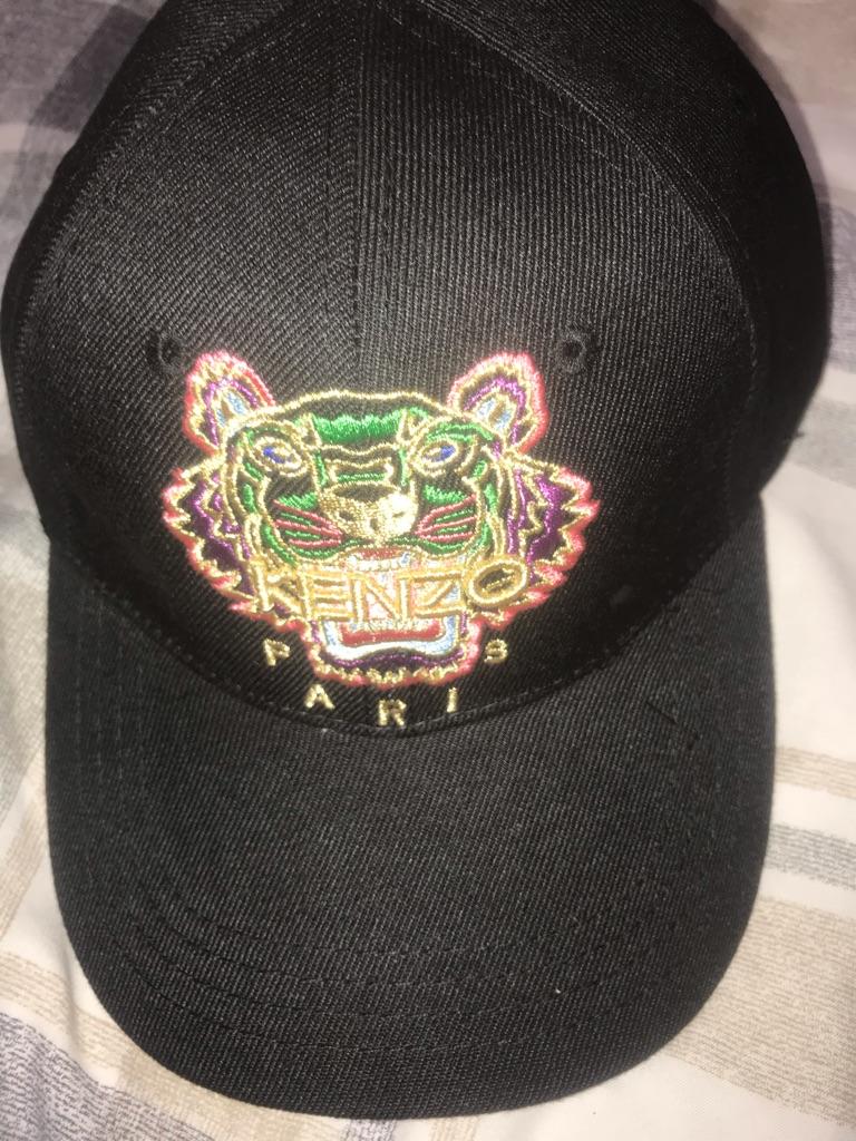 Kenzo hat