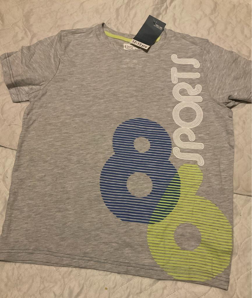 Boys T shirt 12-13 yearx