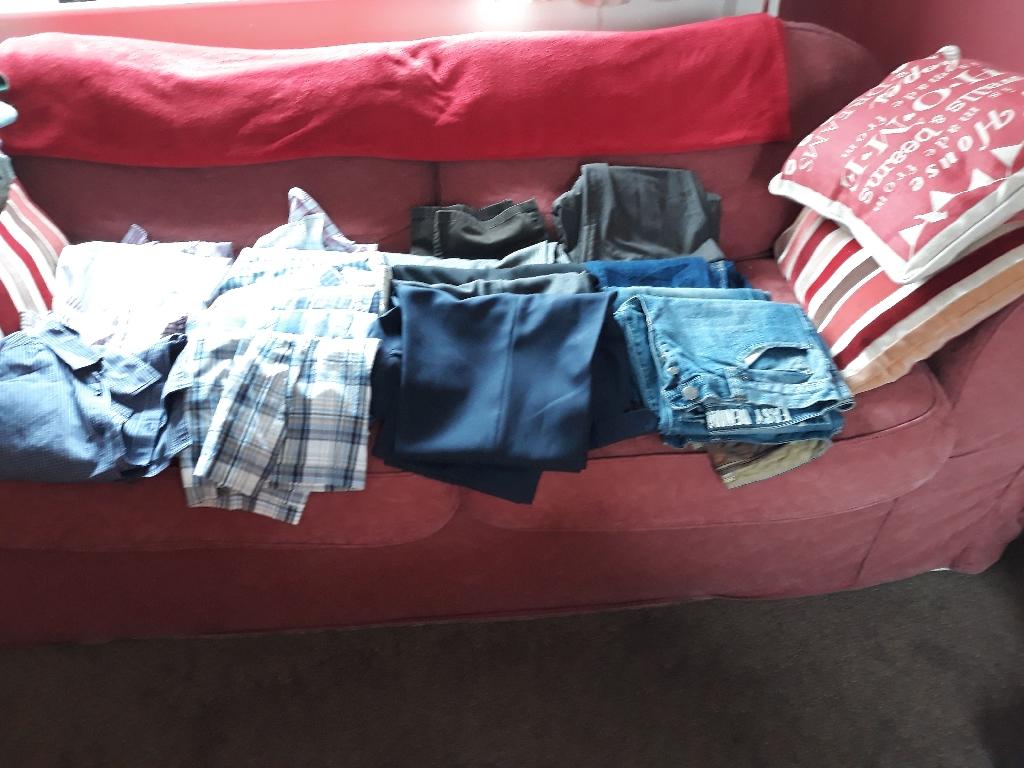 2x bags mens clothes