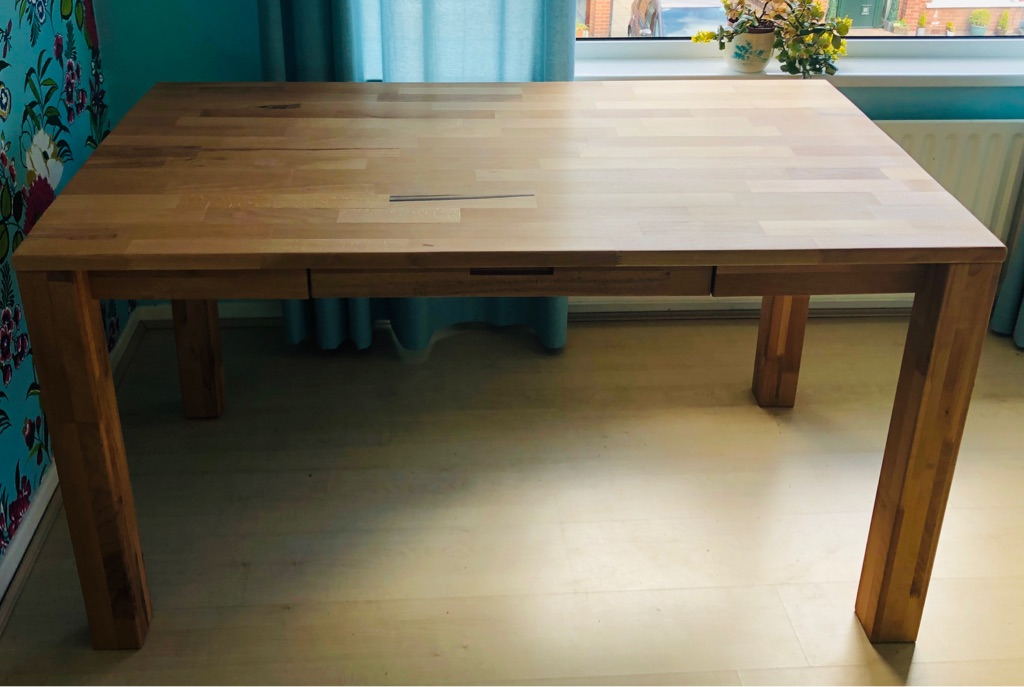 Dinning table /desk