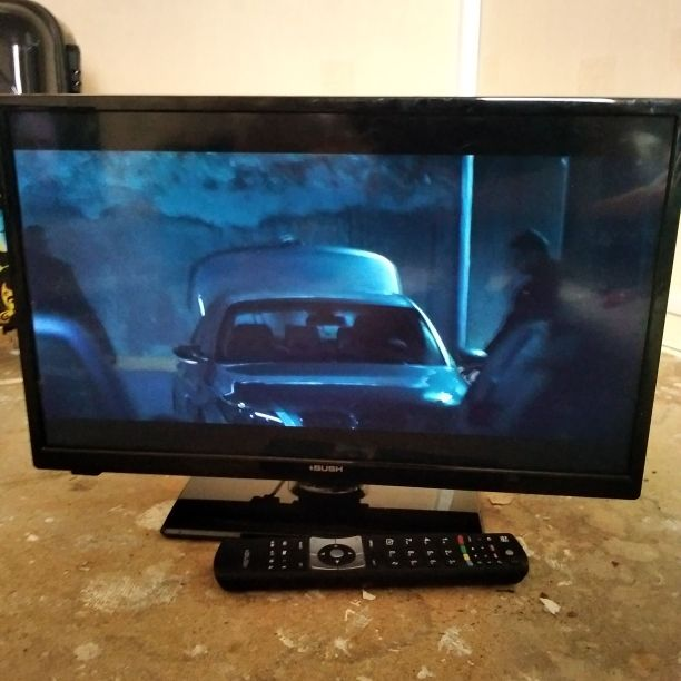 Bush flat screen 26inch Tv with build in dvd player