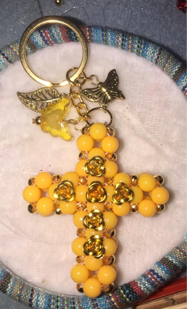 Large keyring cross