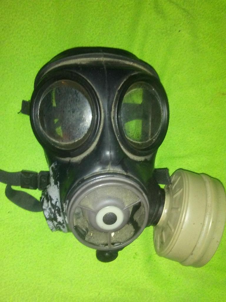 Old school bio gas mask